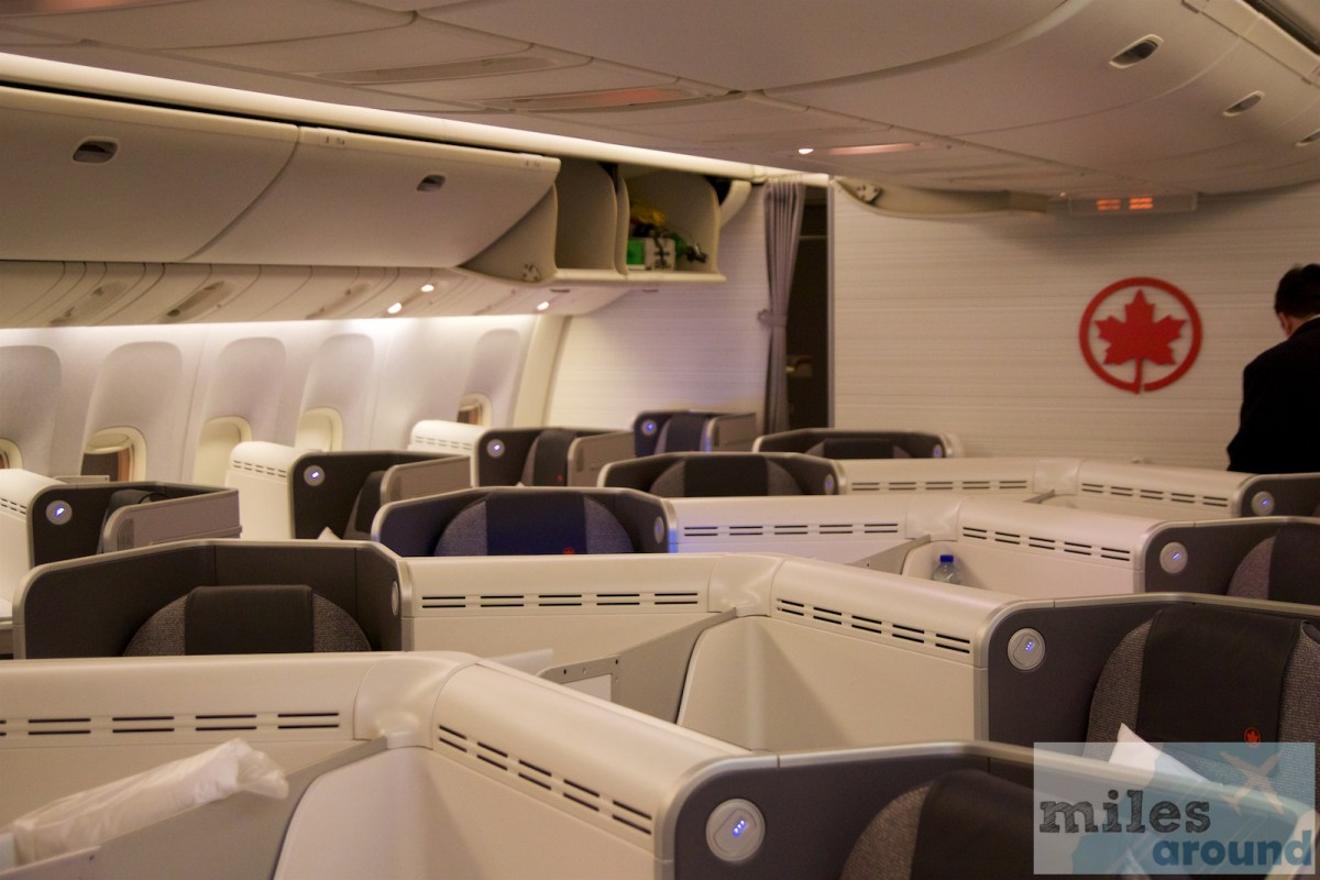 Air Kanada Business Class in der Boeing 777-300ER nach Londynie